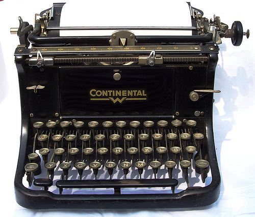 Antique-German-Continental-Typewriter-by-Valeriana-Solaris