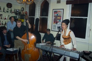 LEILA ADU & THE DON'TS, The Scaledown @ The King & Queen, London, 2007